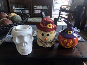 Scentsy HALLOWEEN warmers! These are retired warmers! for Sale in Kent, WA