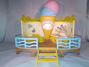 Calico Critter House and Ice Cream Parlor Set for Sale in Missoula, MT