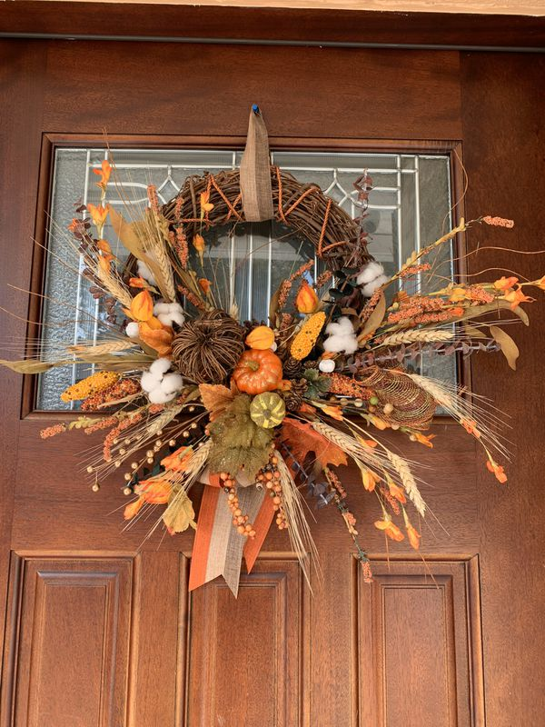 Gorgeous ,door fall hanger wearth, with beautiful colors