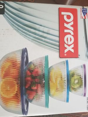 Pyrex 8 pc glass mixing bowl for Sale in Brentwood, TN