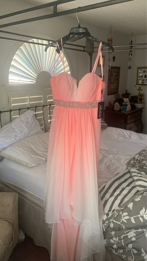 Pink Formal Dress Size 6 for Sale in El Paso, TX