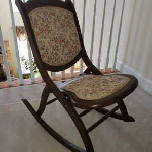 Rocking Chair, Foldable for Sale in Alexandria, VA