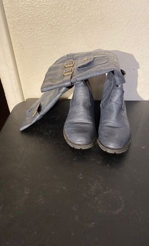 Size 7 blue ladies boots for Sale in Lakewood, CA