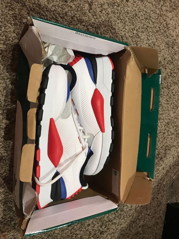 Pumas shoes size 3.5Y