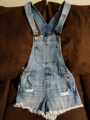 GIRLS DENIM OVERALL SHORTS for Sale in Alameda, CA