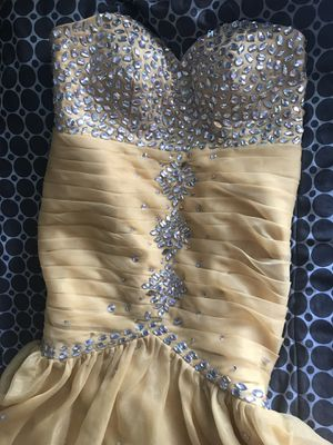 Golden sweet 16\Quince Dress for Sale in Kissimmee, FL