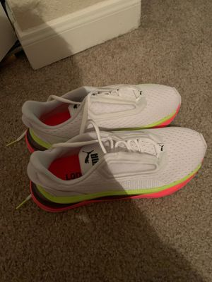 Woman's running shoes for Sale in TX, US