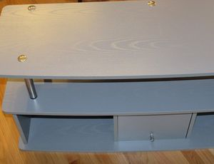 """Grey Solid wood TV stand. In excellent condition. (47.25""""L x16.5""""D x20.75""""H). Located in Lakeview for Sale in Chicago, IL"""