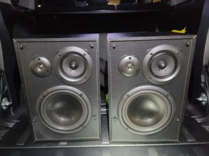 "KLH Audio L853B 8"" 3-Way 125 Bookshelf Speakers for Sale in Torrance, CA"