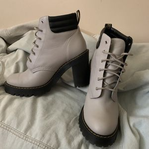 "Dr. Martens - Size 10 in Women's footwear - Soft grey color - Heel length is 3.5"" - Barely used for Sale in Salt Lake City, UT"