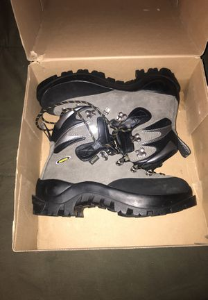 Asolo acongua mountaineering boots. for Sale in Leavenworth, WA