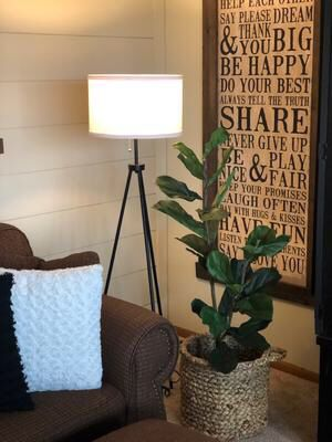 """Modern Metal Tripod Floor Lamp White Textured Shade w/Chain Switch Office Decor 58""""H for Sale in Plano, TX"""