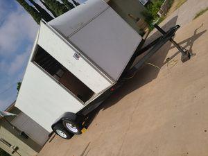 16 enclosed trailer traila for Sale in Riverside, CA