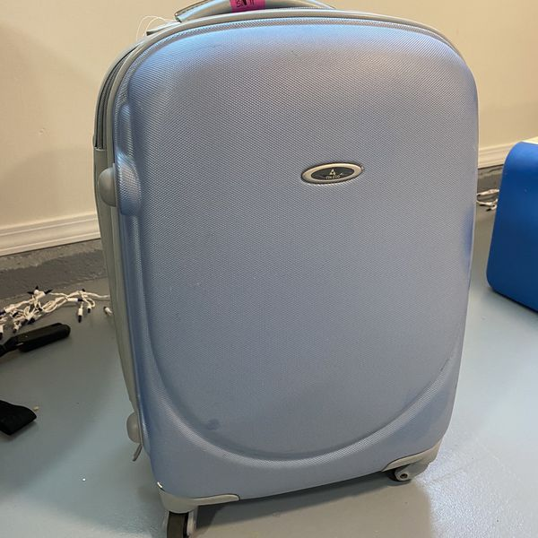 Free Carry on Luggage