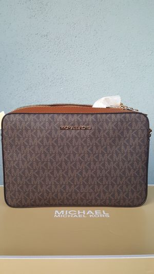 New Authentic Michael Kors Large Crossbody for Sale in Montebello, CA