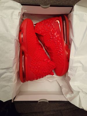 LEBRON 17'S SIZE 9 1/2 ( BRAND NEW IN THE BOX ) for Sale in Denver, CO