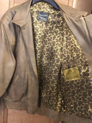 VINTAGE 70s ITALIAN LEATHER JACKET for Sale in Vancouver, WA