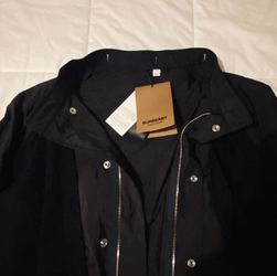 Burberry Navy Hooded Fishtail Coat Sz L for Sale in Pittsburgh,  PA