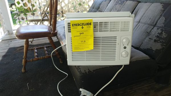 General Electric 6000 BTU use window unit air conditioner