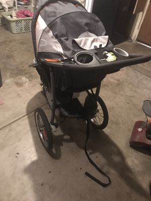 3 wheel stroller for Sale in Chandler, AZ