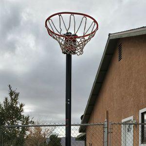 Basketball Hoop for Sale in Apple Valley, CA