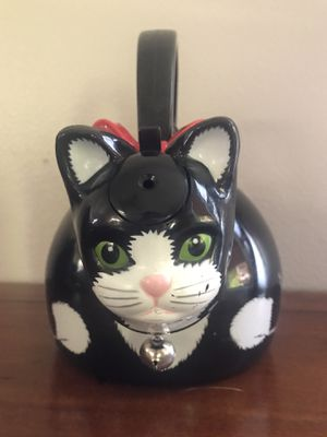 VINTAGE (1995) VIA ANCONA Whistling BLACK CAT TEA KETTLE W/ BELL & Red Bow for Sale in Kennewick, WA