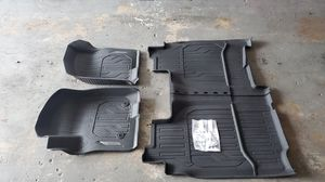 2019 / 20 GMC Sierra 1500 rubber mats set for Sale in Pompano Beach, FL