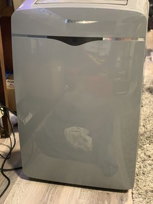 From 560$ to 340$ (OR LESS - READ DETAILS!) Hisense ft portable AC unit w/Remote (up to 400sq/ft) for Sale in Seattle, WA