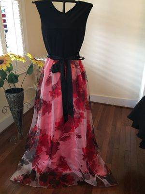 Beautiful formal floral dress/ prom for Sale in Frederick, MD