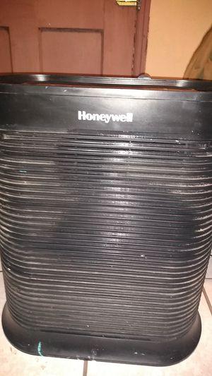 Honeywell air purifier for Sale in Tucson, AZ