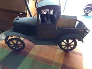 VINTAGE ANTIQUE METAL CARS for Sale in South Gate, CA