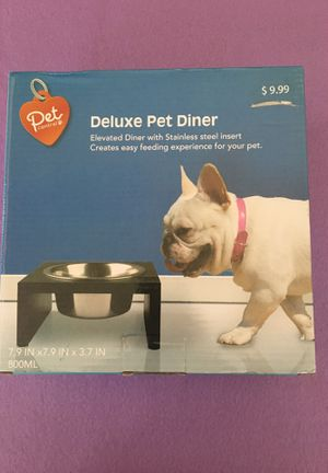 Deluxe Pet Diner for Sale in West Covina, CA