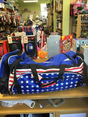 Duffle Bag for Sale in Strathmore, NJ