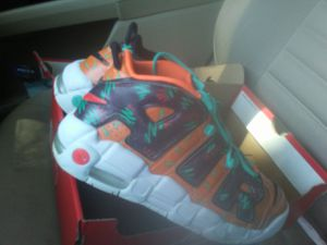 7Y NIKE UPTEMPO (GS) for Sale in Ocala, FL