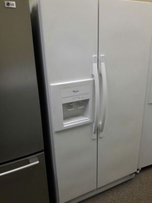 White whirlpool side by side with warranty for Sale in Hiram, GA