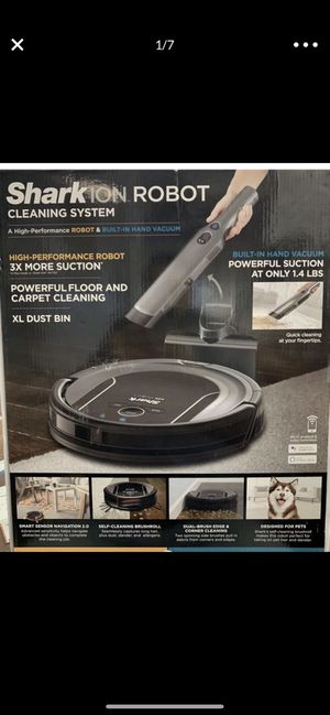 Shark ion robot cleaning vacuum s86 model for Sale in Brookfield, IL
