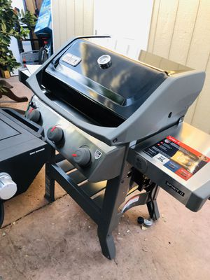 Parrilla Weber II E- 310 Grill 3 burners for Sale in Downey, CA
