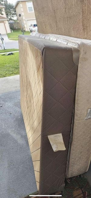 Full mattress and box spring for Sale in Palm Bay, FL