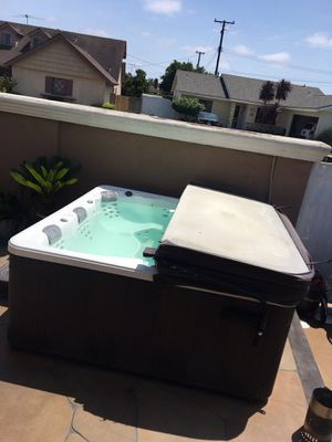 Hot tub above ground seats 4 for Sale in Long Beach, CA