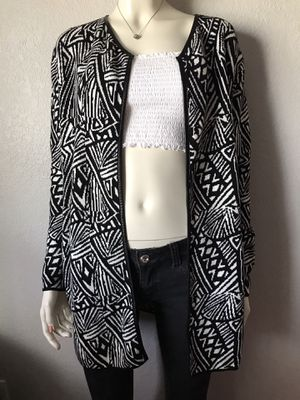 8 Pieces of clothing for women Size M for Sale in Joint Base Lewis-McChord, WA