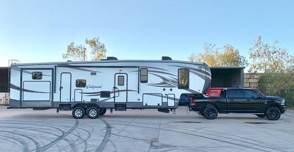 5th Wheel trailer camper