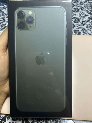 IPHONE 11 PRO MAX UNLOCKED LIKE NEW for Sale in Sanger, CA
