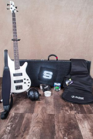 Ibanez Bass Guitar Bundle **Great Xmas gift** Will Accept Paypal - Excellent Condition for Sale in Bristol, PA