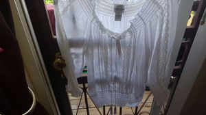 xl white off shoulder blouse for Sale in Bronx, NY