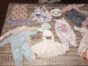 Gently used 34 piece baby girl clothing NB-3months for Sale in Boston, MA
