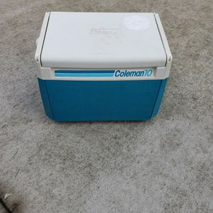 Coleman 10 Lunch Box With Cold Pack! for Sale in Livonia, MI