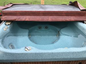 Jacuzzi 6 person hot tub. No issues. Brand new cover. for Sale in Chesapeake, VA