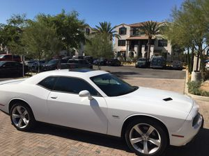2017-2018 DODGE CHALLENGER RT LIKE CAMARO SS MUSTANG 5.0 for Sale in Bell Gardens, CA