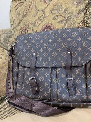 Messenger bag for Sale in Macomb, MI