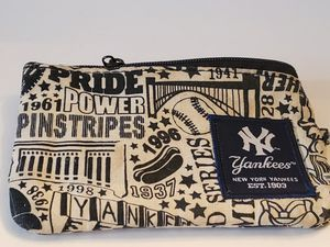 3 x 5 Yankees small pouch coin purse. Hot dogs. Years. for Sale in Plainville, CT